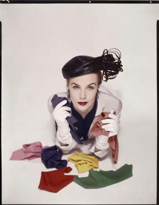 Erwin Blumenfeld Lilian Marcusson. Pour la couverture de Vogue US, 1er janvier 1951 © The Estate of Erwin Blumenfeld, collection Henry et Yorick Blumenfeld