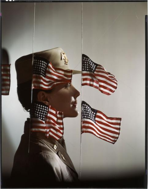 Erwin Blumenfeld The women serve Pour la couverture de Harper's Bazaar, juillet 1943